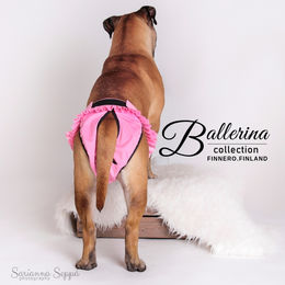 Mila wears pink Ballerina heat pants size L photo: Sarianna Seppä