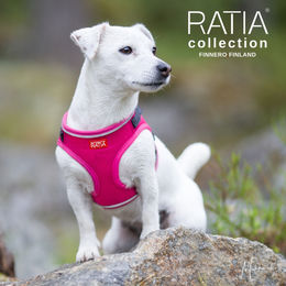 RATIA vest harness pink and Alma photo: Miikku Pietilä